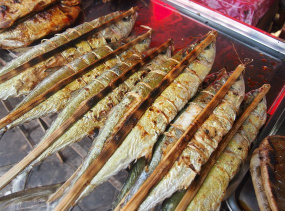 Kep cambodia salt pepper crabs and fish world travel chef for Fish on a stick