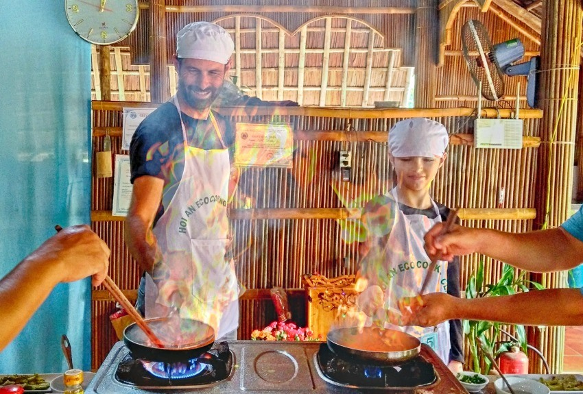 Family cooking at Hoi An cooking class