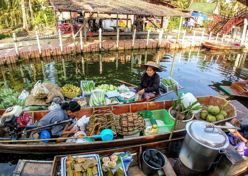 Floating Market Thailand. Food of The World Blogs Thai Food